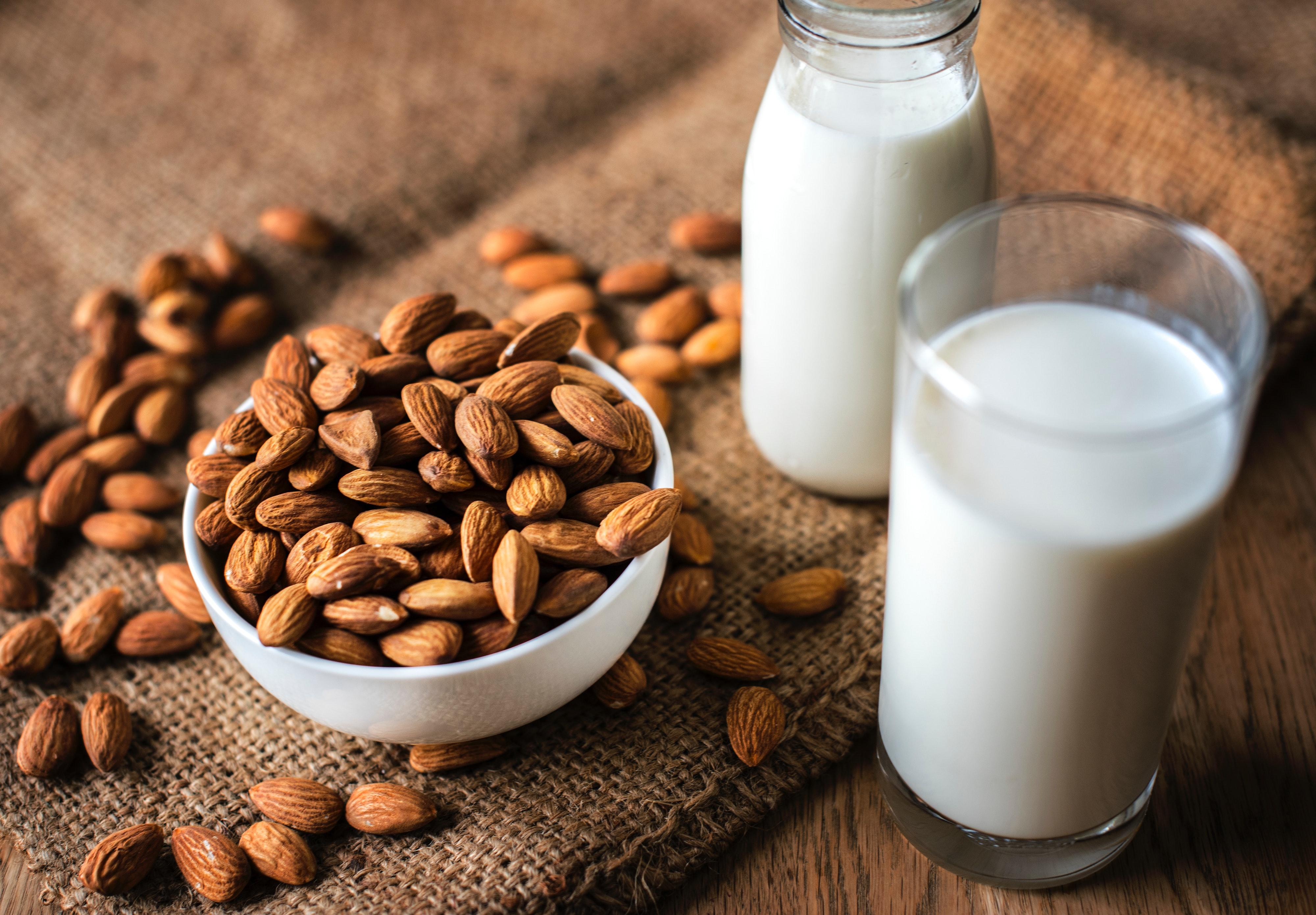 almonds-beverage-blur-1484553