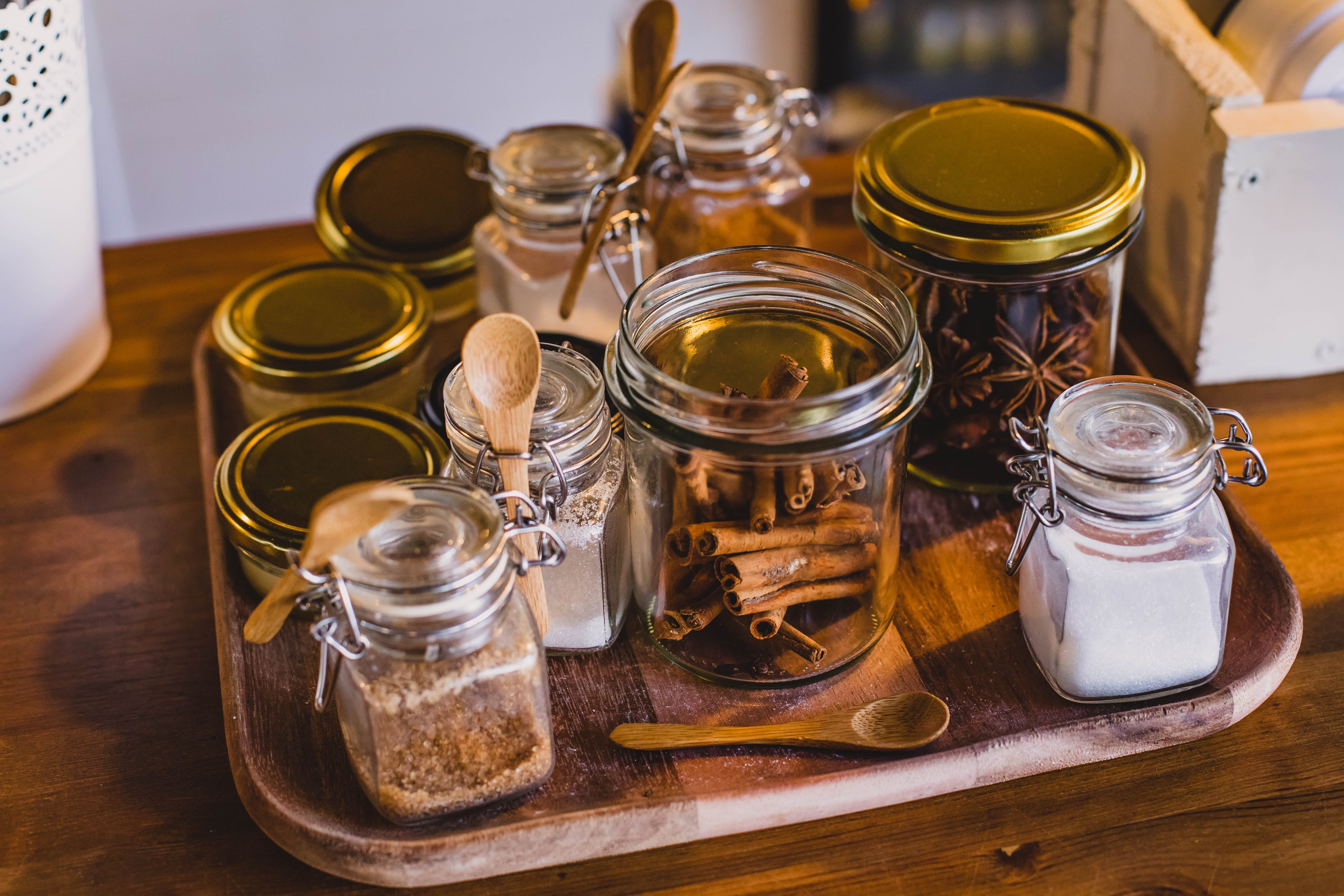 cinnamon-containers-glass